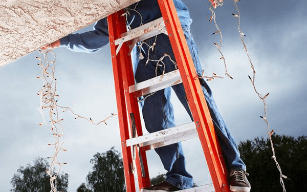 The Do's and Don'ts on a Ladder